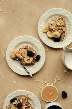 This Banana-Cashew Baked Oatmeal Will Make You A Believer in Breakfast Prepping – Banana Coconut Rum Slushy - Camille Styles Banana Oatmeal Recipe, Banana Coconut, Baked Oatmeal, Oatmeal Recipes, Coconut Rum, Meatless Burgers, Caramelized Bananas, Vegetarian Recipes, Burger Recipes