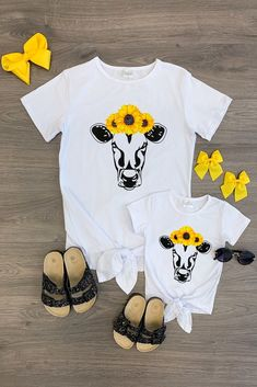 Mom & Me - Sunflower Cow Tie Top Source by sparkleinpinkit and me outfits Toddler Girl Style, Toddler Fashion, Kids Fashion, Mommy And Me Outfits, Girl Outfits, Cute Outfits, Cow Baby Showers, Mother Daughter Shirts, Cow Shirt