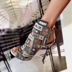 high heels – High Heels Daily Heels, stilettos and women's Shoes High Heels Stiletto, High Heel Boots, Shoe Boots, Stilettos, Hot Shoes, Crazy Shoes, Me Too Shoes, Fancy Shoes, Zapatos Shoes