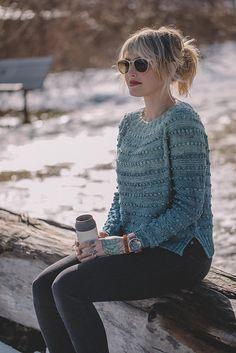 Ravelry: Fade Névé pattern by Andrea Mowry Sweater Knitting Patterns, Knitting Designs, Knitting Sweaters, Knitting Ideas, Ravelry, Stockinette, Knitting For Beginners, Knitwear, Knit Crochet