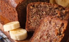Θρεπτικό κέικ με μπανάνα, χωρίς αλεύρι και ζάχαρη, για μικρούς και μεγάλους - The Mamagers.gr