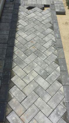 Outdoor Walkway, Brick Walkway, Front Walkway, Cobblestone Walkway, Stone Driveway, Concrete Walkway, Front Steps, Concrete Slab, Patio Patterns Ideas