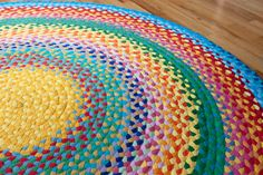 How to make Fabulous Rainbow Braided Rugs Using Old Clothing DesignRulz.com
