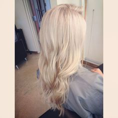 pale blonde highlights