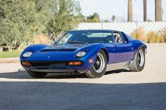 lamborghini sv If you're looking for a classic mid-engine car, Bonhams is bringing a 1964 Porsche 904 GTS and a 1971 Lamborghini Miura SV to its 2019 Scottsdale auction. Porsche 904, 1964 Porsche, Lamborghini Miura, Best Classic Cars, Performance Cars, Ford Gt, Motor Car, Vintage Cars, Automobile