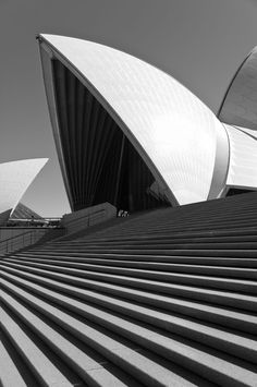 Jørn Utzon - Sydney Opera House by Ximo Michavila