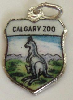 Calgary Zoo Canada - KANGAROO & JOEY - Vintage Enamel Travel Shield Charm