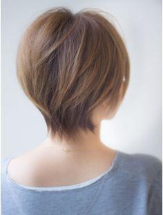 アフロートジャパン(AFLOAT JAPAN) メリハリをきかせた大人ショートヘア モーブカラー ワイドバング
