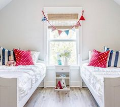 Beddy's is perfect for shared bedrooms! All you do is ZIP! 📷: @the.old.barn #beddys #zipperbedding #zipyourbed #girlbedding #girlbed #beddysbeds #girlyroom #girlsroomdecor #girlsroom #girlsroominspo #girlsroominspiration #girlsroomdecoration #girlsroomstyling #girlystuff #bedding #beddings #homedecor #homedesign Kid Beds, Bunk Beds, Floral Bedroom Decor, Boho Decor, Beddys Bedding, Zipper Bedding, Shared Bedrooms, White Bedding, Girls Bedroom