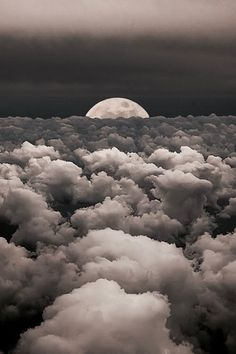 Moonwalk-Moon-Sky-Clouds-Photography-by-Victor-Caroli-. Beautiful Sky, Beautiful World, Beautiful Moments, Beautiful Scenery, Shoot The Moon, Stars And Moon, Amazing Nature, Belle Photo, Night Skies