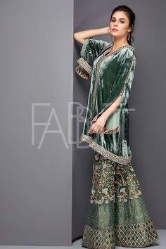 Embroidery designs fashion indian products Ideas for 2019 Pakistani Formal Dresses, Pakistani Wedding Outfits, Pakistani Dress Design, Indian Dresses, Bridal Outfits, Lehnga Dress, Lehenga, Anarkali, Frock Fashion