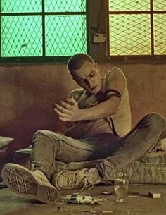 Ewan McGregor in Trainspotting (1996) directed by Danny Boyle