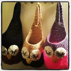 FOR HATS AND MITTEN STORAGE OR WHATEVER YOU WANT TO PUT INTO THESE CUTE BAGS NOT MY DESIGN