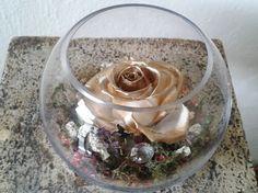 Centro de Mesa Rosa Dorada #roses #rosas #decoration #decoracion #centrosdemesa Mira más