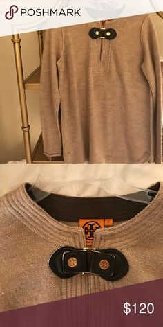 🙌🏽Cozy Tory Burch sweater🙌🏽 Gently worn, in great condition! Tory Burch Sweaters Crew & Scoop Necks