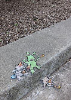 The Adventures of Sluggo (by David Zinn) [street art] Street Art Banksy, 3d Street Art, Street Artists, Berlin Graffiti, Graffiti Artists, Trompe L Oeil Art, David Zinn, Pavement Art, 3d Chalk Art