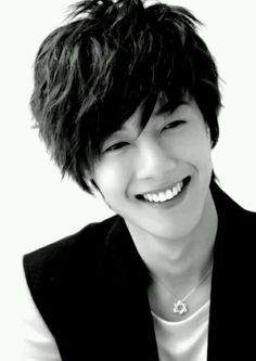 Kim Hyun Joong 김현중 ♡ black & white ♡ smile ♡ Kpop ♡ Kdrama ♡