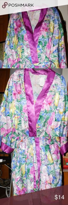 Cypress Robe Size Large This robe has 3/4 sleeves, outer tie, and two side pockets. Pre-owned in very good condition Size large: bust 36-38, waist 29-31, hips 38-40, equivalent dress size 10-14. Color purple with multi-color floral print. 100% polyester. Item #2371217 Cypress Intimates & Sleepwear Robes