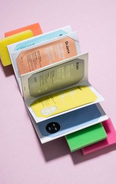 The most relaxing type of book is a book of Dr. - Skin Care World Medical Packaging, Skincare Packaging, Cosmetic Packaging, Beauty Packaging, Clever Packaging, Pouch Packaging, Print Packaging, Cosmetic Design, Pores