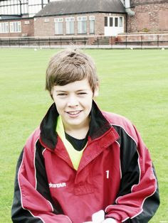 Fetus harry I REALLLLLLLLLLYYYYYY love this...>>>>>>> he was attractive even when he was younger!!!