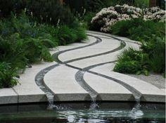 garten dekoideen wasserfall betonboden teich