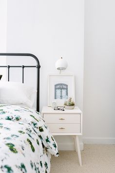 10 Beautiful, Classic Beds Worth Investing In (of All Price Points)
