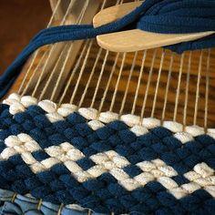No photo description available. Weaving Textiles, Weaving Patterns, Tapestry Weaving, Loom Weaving, Hand Weaving, Wool Art, Tear, Weaving Techniques, Woven Rug