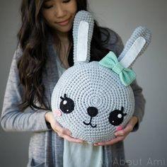 Mesmerizing Crochet an Amigurumi Rabbit Ideas. Lovely Crochet an Amigurumi Rabbit Ideas. Crochet Gratis, Crochet Bunny, Crochet Animals, Crochet Toys, Free Crochet, Knit Crochet, Amigurumi Patterns, Knitting Patterns, Crochet Patterns