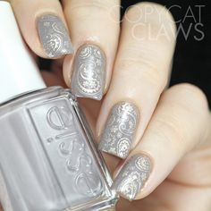 Copycat Claws: Taupe Paisley Nail Stamping base : Essie Chinchilly stamping: Essie Good as Gold paisley patterns: Fancy Nails, Cute Nails, Pretty Nails, Nagel Stamping, Stamping Nail Art, Hair And Nails, My Nails, Nagellack Design, Types Of Nails