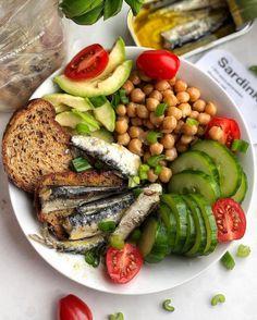 Salmon Burgers, Chicken, Meat, Ethnic Recipes, Food, Essen, Meals, Yemek, Eten