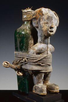 Fon Bocio Fetish, Benin Religion In Africa, Larp, Afrique Art, Art Premier, African Masks, African Culture, Designer Toys, Figurative Art, Dark Art