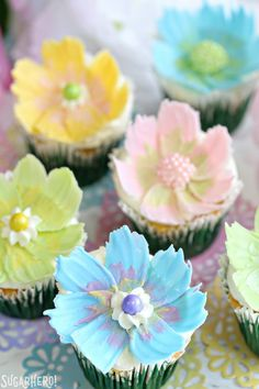 Looking for a cute spring dessert? These Easy Chocolate Flower Cupcakes are simple, fun, and perfect for birthdays and showers! They feature a delicious lemon cupcake, fluffy coconut frosting, and the edible chocolate flowers on top are so easy to make! Cupcakes Cool, Spring Cupcakes, Oreo Cupcakes, Coconut Cupcakes, Cupcake Cakes, Flavored Cupcakes, Gourmet Cupcakes, Cupcake Frosting, Cake Decorating Techniques