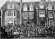 The Marie Curie-Skłodowska  Polish secondary school for girls at Grendon Hall, Northamptonshire (1948 - 1951)