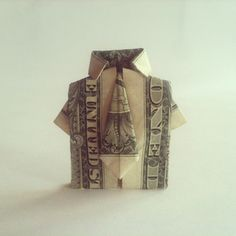 Check Out This Clever Money Origami Shirt and Tie Gift Idea