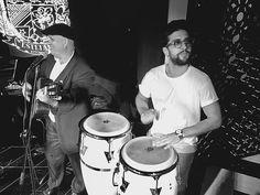 Repost barone_piero    Tocando y bailando  música cubana