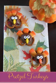 Growing up Madison: Thanksgiving Pretzel Turkeys Thanksgiving Crafts, Thanksgiving Decorations, Fall Crafts, Crafts For Kids, Children Crafts, Fall Recipes, Holiday Recipes, Holiday Ideas, Perfect Turkey