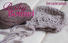 Baby Bonnet- Free Crochet Pattern * beautiful, but the newborn size is really tiny. Baby Bonnet Pattern, Crochet Baby Bonnet, Crochet Bebe, Crochet Baby Clothes, Newborn Crochet, Crochet For Kids, Diy Crochet, Crochet Crafts, Crochet Projects