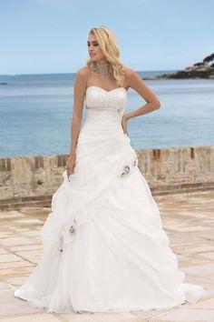 60 beste afbeeldingen van trouwjurk - Groom attire bb0dd9823db3