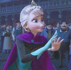 You can see in this screenshot that Elsa is realizing that she changed her future in an instant. Elsa feels terrible for harming her country and her sister. Her entire character is in this screenshot. Best Disney Movies, Disney Films, Disney And Dreamworks, Disney Pixar, Good Movies, Frozen And Tangled, Frozen Heart, Elsa Frozen, Disney Frozen