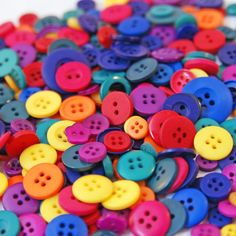 i know you love buttons
