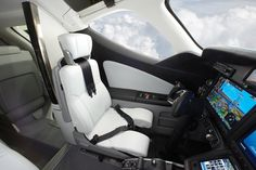 Honda jet for sale. Buy or sell Honda jet private jet. Price list on airplanes. Honda Civic, Honda Jet, Personal Jet, Glass Cockpit, Jet Privé, Airplane Fighter, Aircraft Interiors, Flying Car, Futuristic Cars