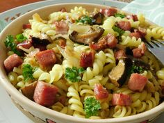 Gnocchi, Pasta Salad, Ethnic Recipes, Food, Bulgur, Crab Pasta Salad, Essen, Meals, Yemek