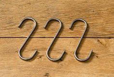 3x Designer S-Haken für Kleiderleiter und Kleiderstuhl. Edelstahl. s-förmige Kleiderhaken, Badhaken, Garderobenhaken, Handtuchhaken, Kleiderbügel, Küchenhaken, Werkstatthaken, Metallhaken, Formhaken