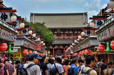 www.3or10.net - After passing outer gate of Senso-ji Temple, there is a very crowded street, name is Nakamise Street. This has been a shopping street since 17th century. There are many small souvenirs shops here. End of the street you will see the inner gate of the Senso-ji Temple, Hozomon and then Senso-ji Temple, Asakusa Shrine.