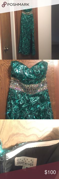 FORM FITTING SPARKLY PROM DRESS Fitted, sweetheart neckline, altered to a 2-4, teal beading with silver accents, worn once Night Moves Dresses Prom