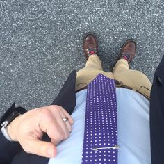 The rest of the week is all downhill.... #ootd #wiwt #ootdmen #getdapper #dapper #menswear #theamateurprofessional  #businesscasual #pennsylvania #harrisburg #centralpa  #gq  #ejsamson #dressedchest  #menswear #mwcontest #likemylook #fromwhereistand #sprezzabox #combatgent #loyalcollective #chinos #mywolverines #mysnugg