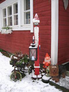 Joulupukki; maalattu kakkosnelonen.