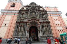 Portada de la Iglesia de La Merced de Lima - (1697-1704)