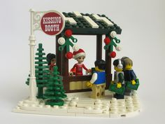 The Kissing Booth seems to be a popular stall at this year's winter village markets. All for charity, of course! My entry to the Eurobricks Expand the Winter Village Contest for Lego Christmas Ornaments, Lego Christmas Village, Lego Winter Village, Lego Village, Christmas Villages, Christmas Presents, Christmas Ideas, Xmas, Lego Bedroom