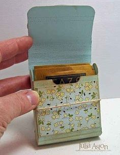 A DIY little box in which to carry your tea. | 27 Items All Tea Lovers Need In Their Lives